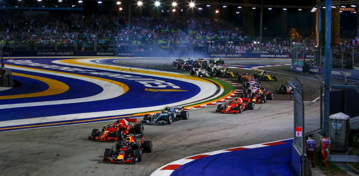 Mercedes' driver Lewis Hamilton leads the pack during Singapore F1 at the Marina Bay Street Circuit